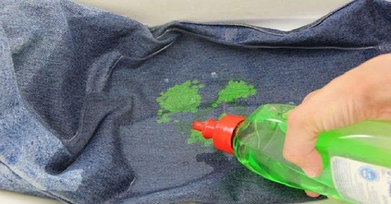 Удалить жвачку при помощи мыла