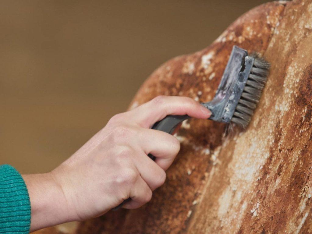 Почистить металл от ржавчины