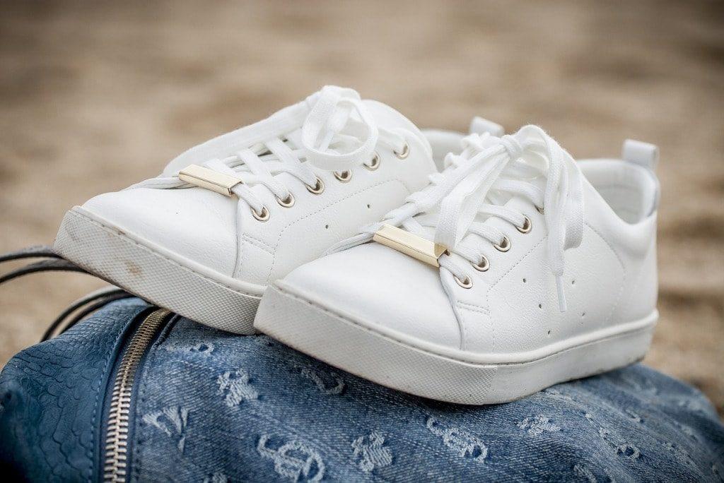Отбелить подошву кроссовок