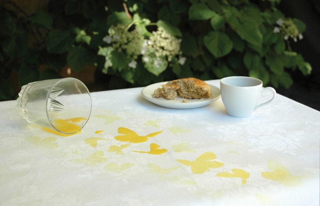 Стирка деликатных тканей от желтизны