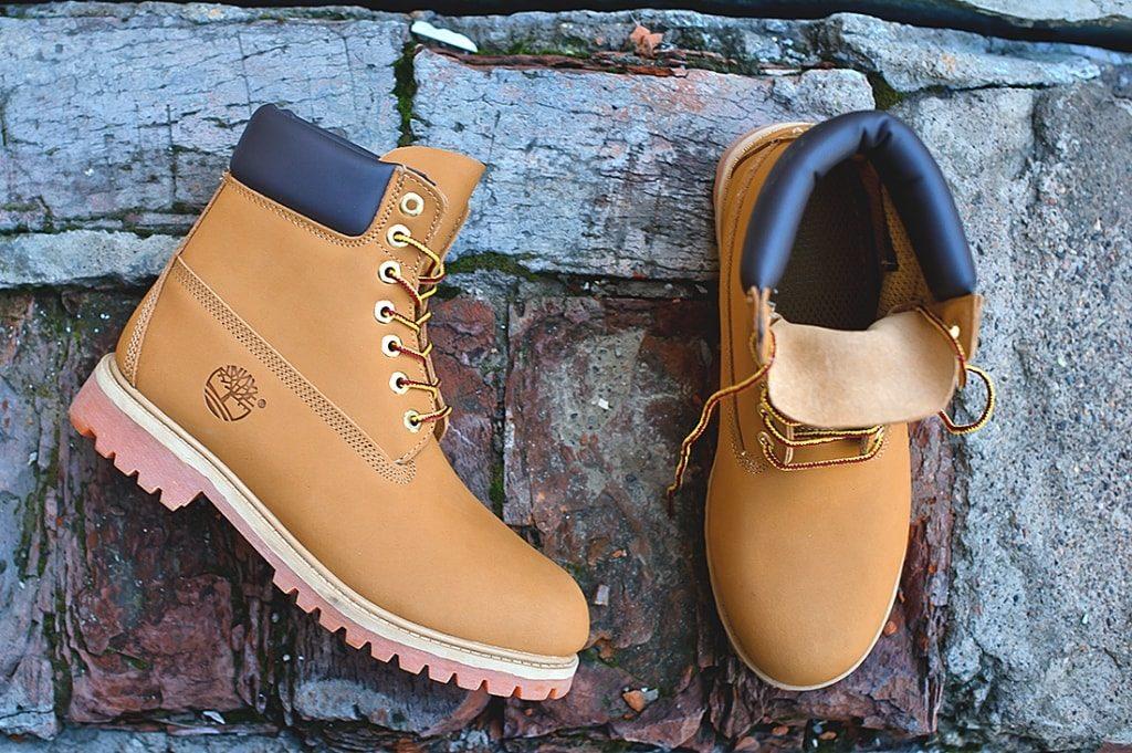 Чистить обувь из нубука
