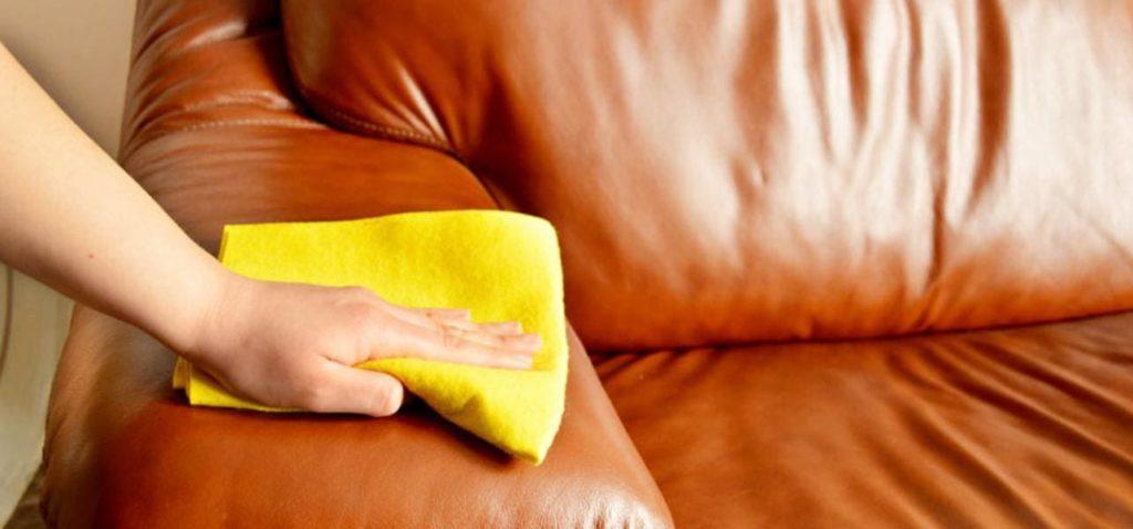 Отмыть кровь с дивана