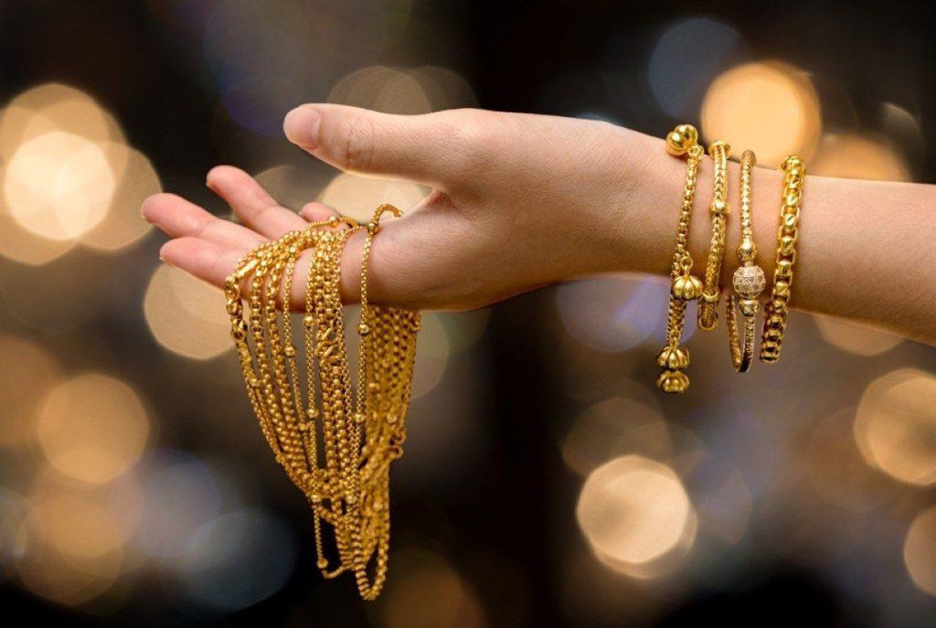 Чистим цепь из золота