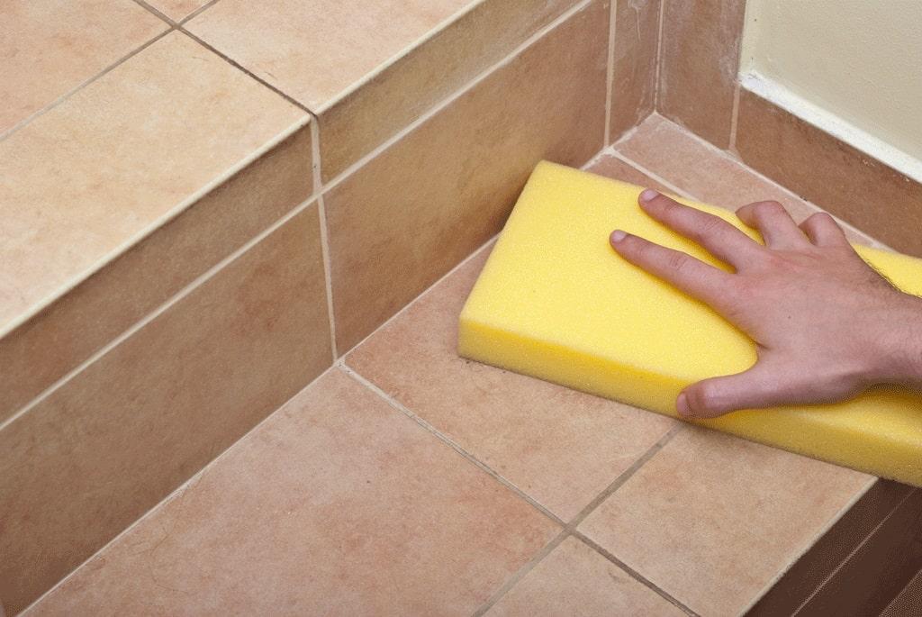 Отмыть кафель на полу в ванной