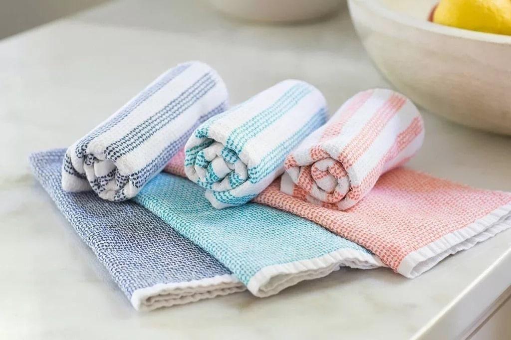 Стирать кухонные полотенца