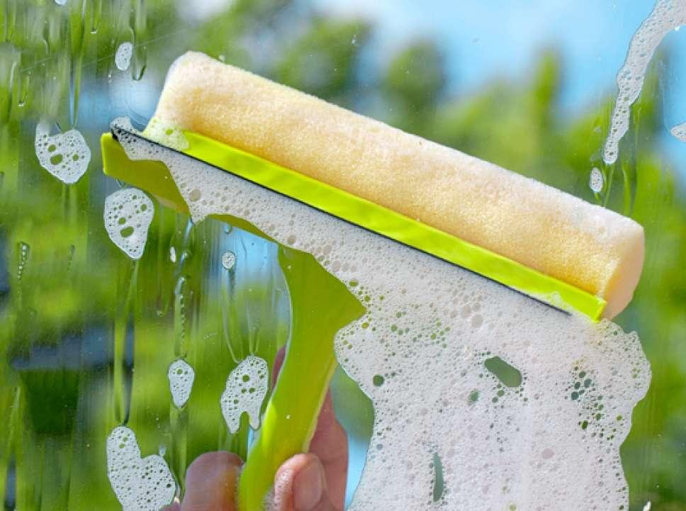 Помыть окна после ремонта